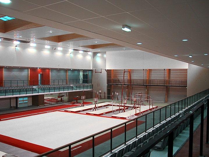 cr ation d 39 une salle de gymnastique parign l 39 ev que 72. Black Bedroom Furniture Sets. Home Design Ideas