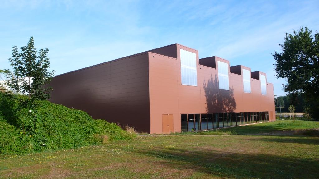 cr ation d 39 une halle de sports l 39 universit du maine le mans 72. Black Bedroom Furniture Sets. Home Design Ideas