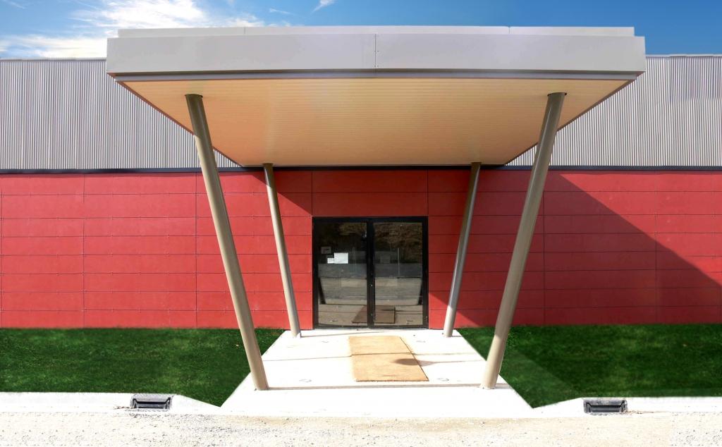 construction d 39 une salle de tennis de table parign l 39 ev que 72. Black Bedroom Furniture Sets. Home Design Ideas